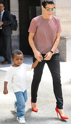 Sandra Bullock and son Louis (Splash News)