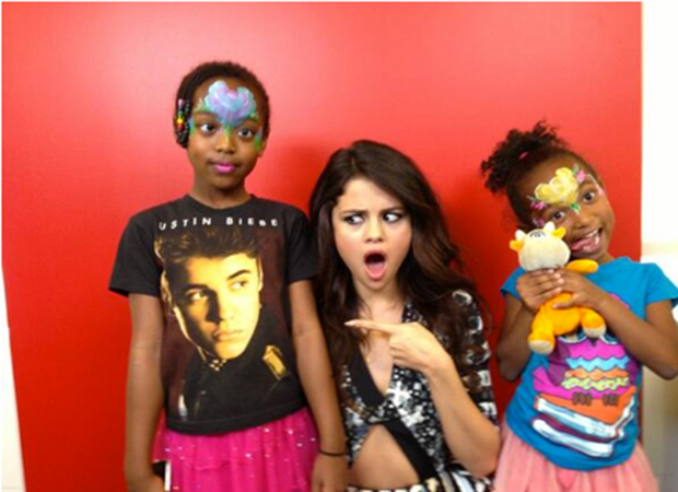 Selena Gomez and two young fans at VEVO (Selena Gomez/Twitter)