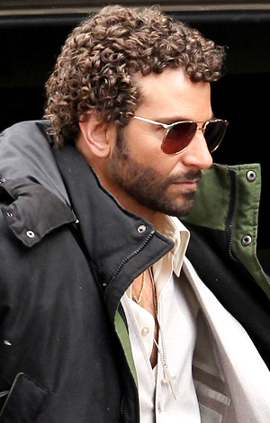 And in curls on April 2. (FameFlynet)