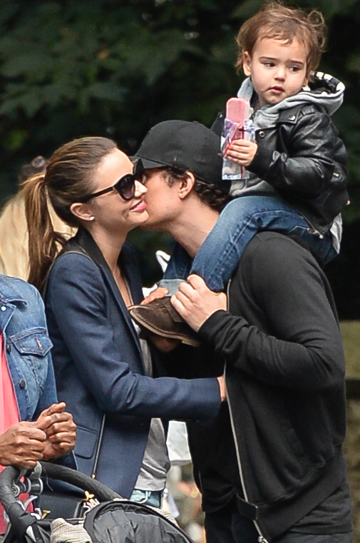 Bloom and Kerr shared a kiss during a family trip to Central Park on September 26. (Splash News)