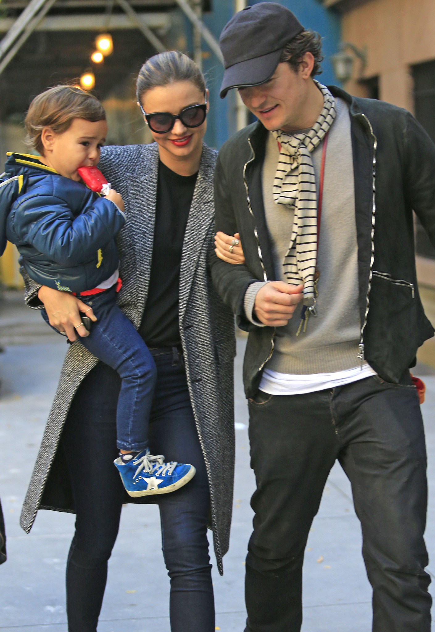 Flynn, Miranda, and Orlando take a stroll after the break up. (Splash News)