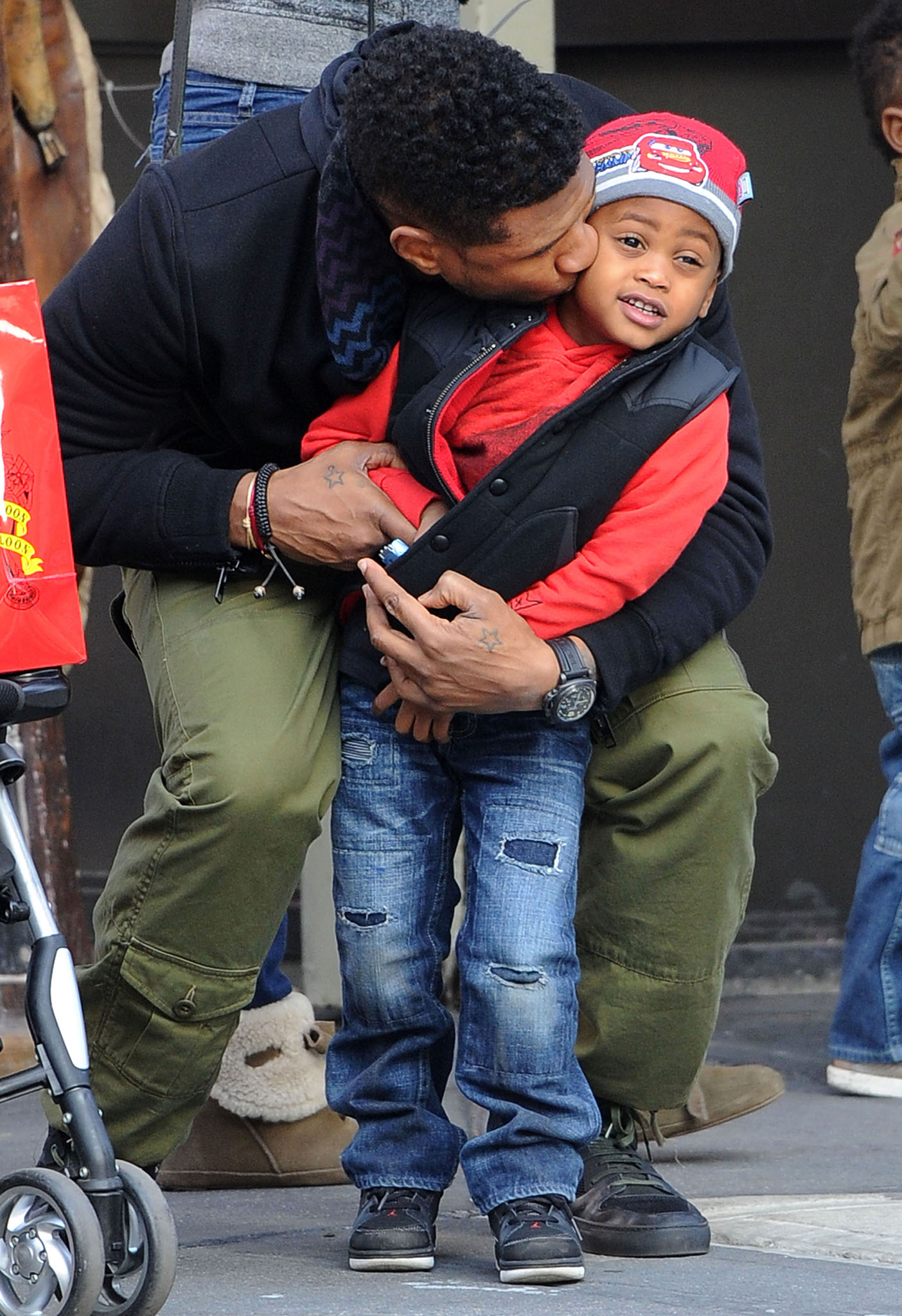 Usher and his son Usher Raymond V (Splash News)