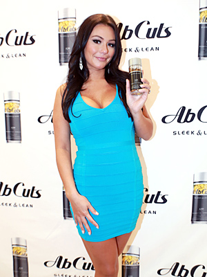 JWoww flaunts her toned physique. (Victor Hugo/Shareif Ziyadat Productions)