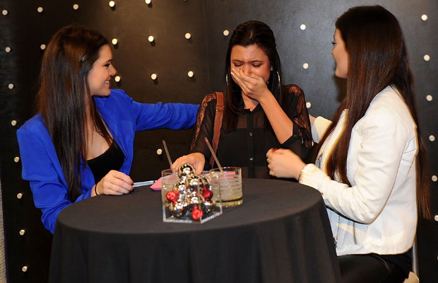 The sisters meet a starstruck fan. (Denise Truscello/WireImage)