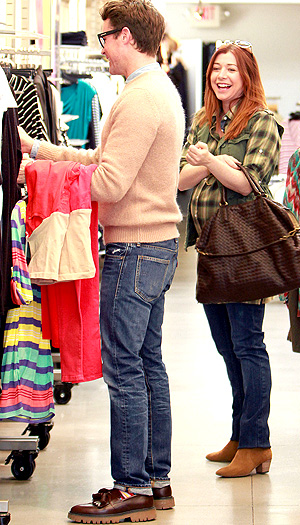 Alyson Hannigan shops with Brad Goreski. (Splash News)