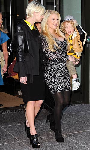 Jessica Simpson carries nephew Bronx in NYC. Thornton/Ordonez/INFDaily.com