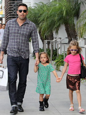 Affleck and daughters Seraphina and Violet went shopping afterwards. (Splash News)