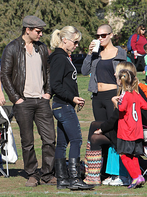 Jennie Garth and Peter Facinelli (MAP/Splash News)