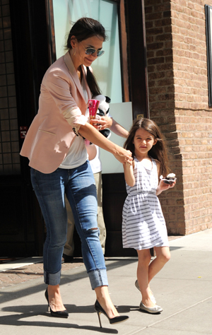 Katie and Suri. (Splash News)