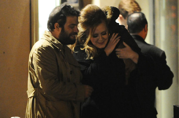 Simon, Adele, and their puppy in London (Splash News)