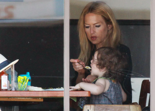 Zoe and Skyler during their August 2 lunch date (JLM/Splash News)