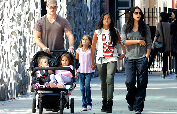 Matt Damon with his family in NYC (Splash News)