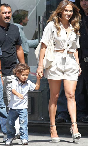 "Jennifer Lopez and Max hold hands on her ""Papi"" video shoot. - Miguel Aguilar/PacificCoastNews.com"