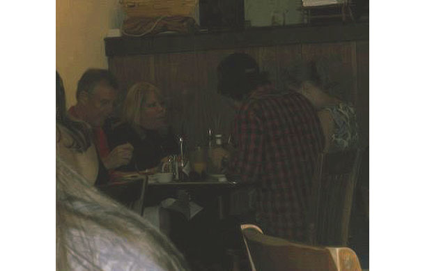 Taylor Swift has dinner with Conor and her parents (Twitter)