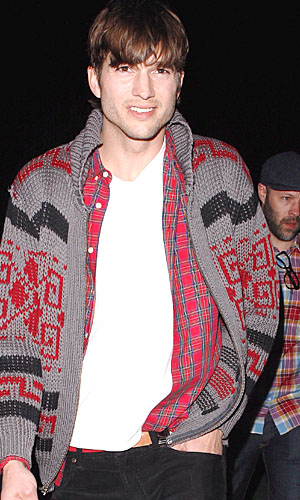 Ashton Kutcher after watching the concert. (Maciel/X17online.com)