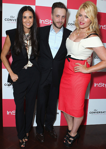 Moore and De Cadenet with InStyle's Ariel Foxman (Alexandra Wyman/Getty Images for InStyle)