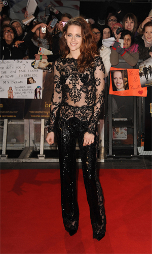 Kristen Stewart arriving at London premiere (Getty)