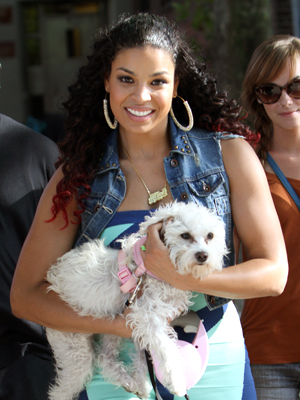 Jordin Sparks plays mom. (INFDaily.com)
