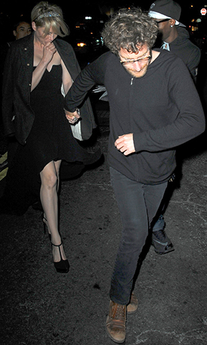 Michelle Williams and Dustin Yellin leaving a Met Gala afterparty (Splash News)