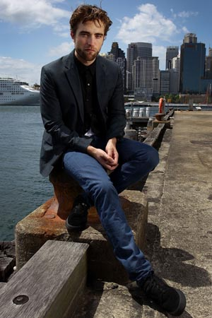 Robert Pattinson at a photo call in Sydney Harbor. (Getty Images)