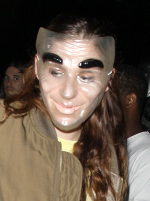 Kristen Stewart in disguise on Halloween. (PacificCoastNews.com)