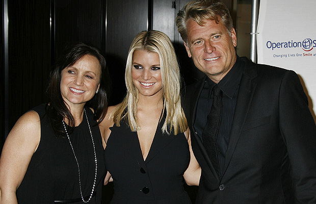 Tina, Jessica, and Joe Simpson. (Jeffrey Mayer/WireImage)
