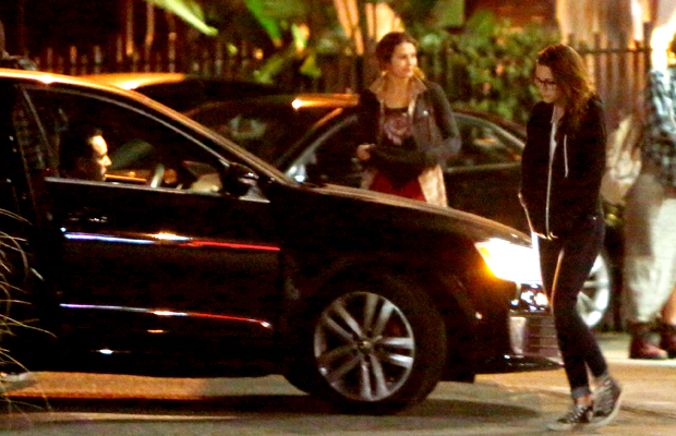 Kristen Stewart walking towards the car in question (X17online.com)