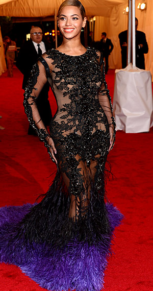 Beyoncé attends the 2012 Met Gala (Getty Images)