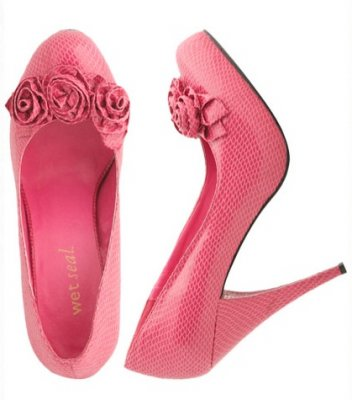 Wet Seal ruffle pump, $15.00.