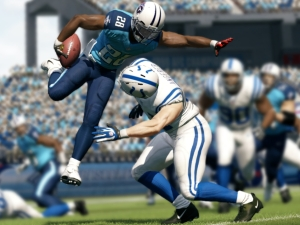 Madden NFL 13 jukes its way to record sales
