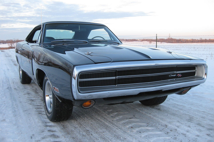 1970 dodge charger or challenger which would you buy. Black Bedroom Furniture Sets. Home Design Ideas