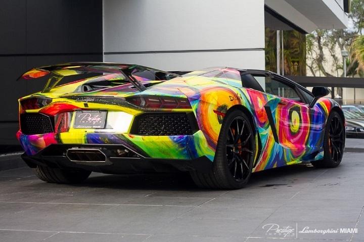 lamborghini veneno en hot wheels with Lamborghini Aventador Roadster Painted Art Sale 143030871 on 367113807118538626 together with 48Jg moreover 23484 Een Bugatti Veyron Uit Hout additionally 32730777728 additionally Automotive blueprints.