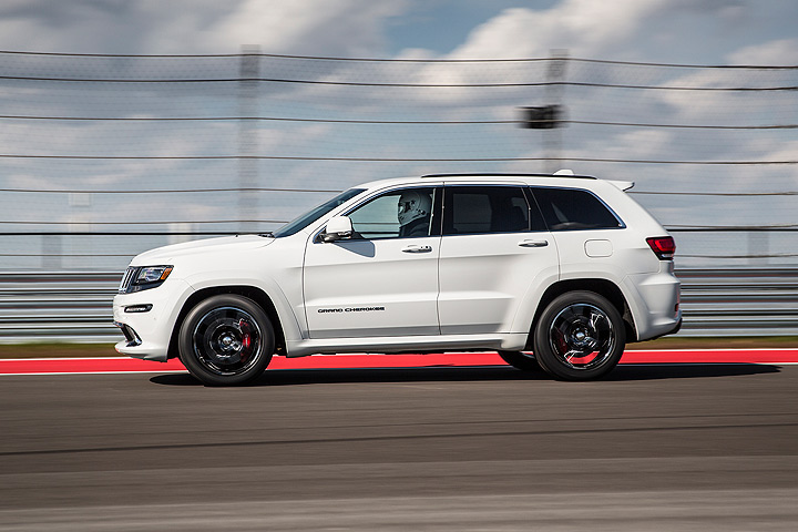 a hellcat jeep grand cherokee will be on the streets in 2017. Black Bedroom Furniture Sets. Home Design Ideas