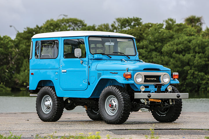 This Spotless Toyota Land Cruiser FJ40 Is 4×4 Royalty