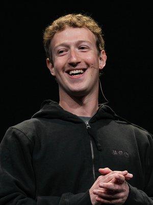 Mark Zuckerberg Reveals Baby Daughter's First Word In Adorable Facebook Photo