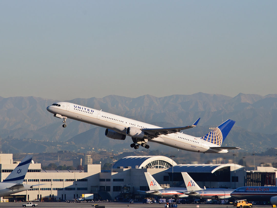 United Airlines just debuted the longest nonstop flight from the US (UAL)