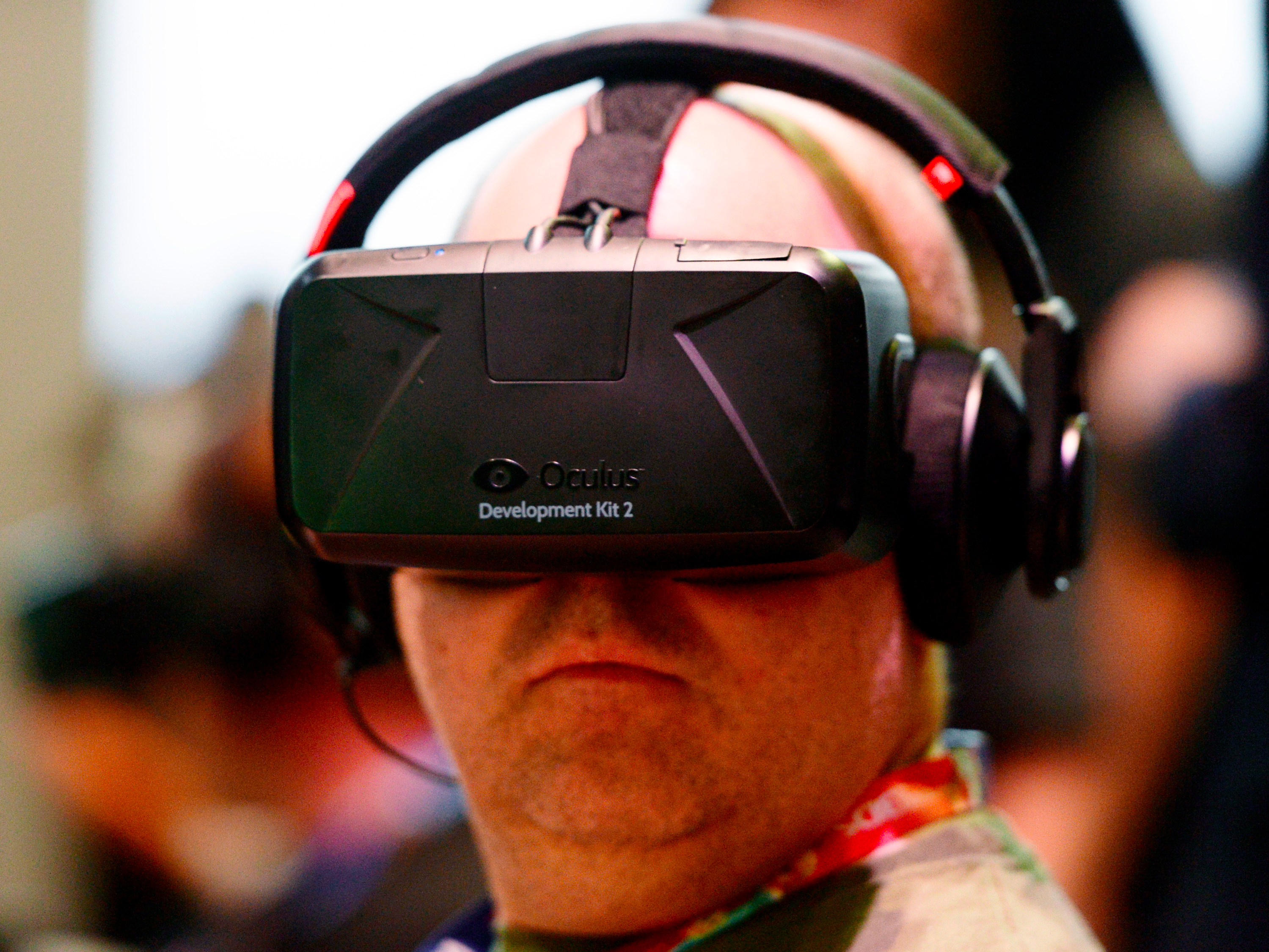Oculus accidentally broke thousands of its virtual reality headsets — and then managed to fix them (FB)
