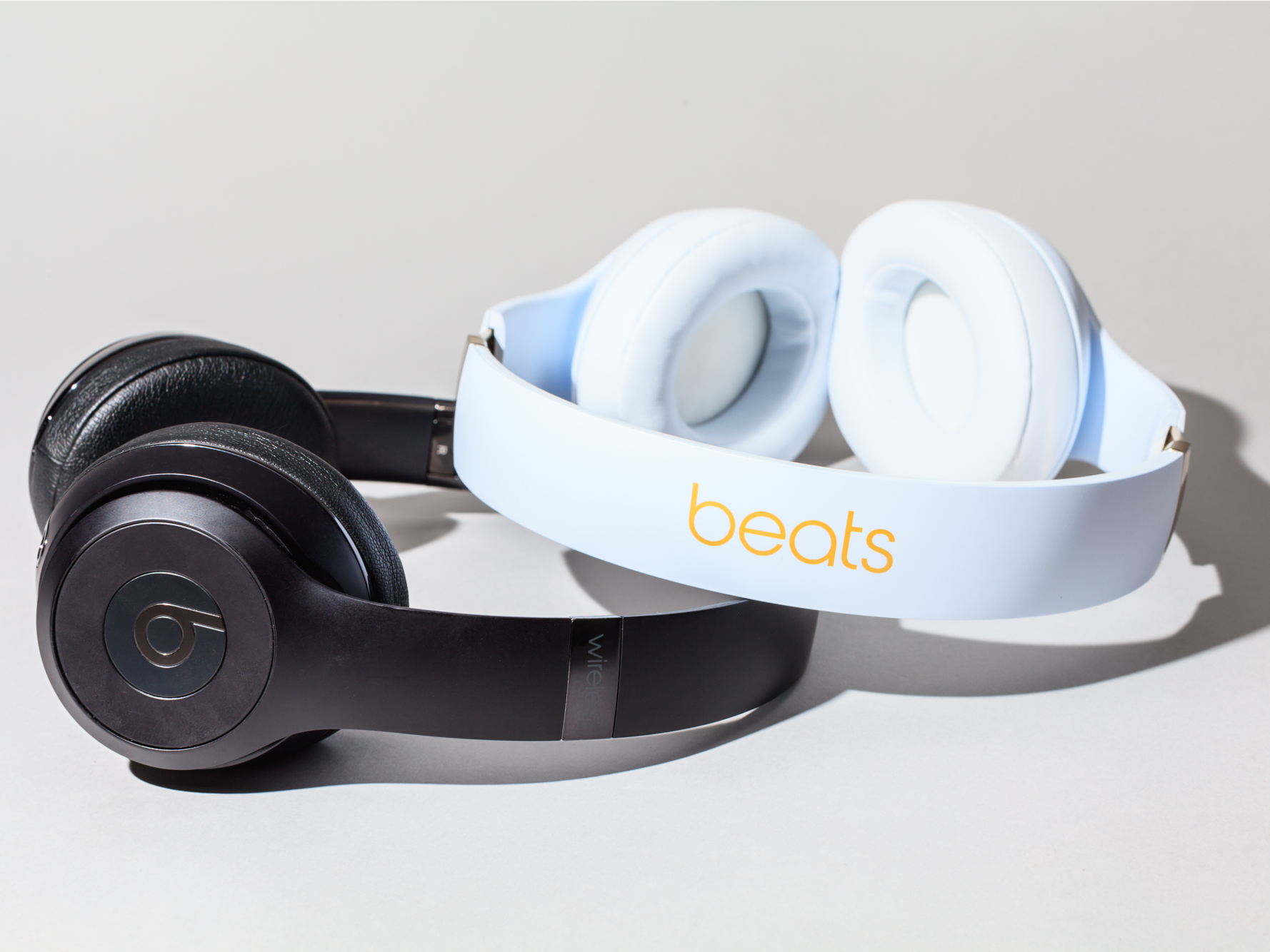 Apple is working on high-end headphones that may launch as soon as this year (AAPL)