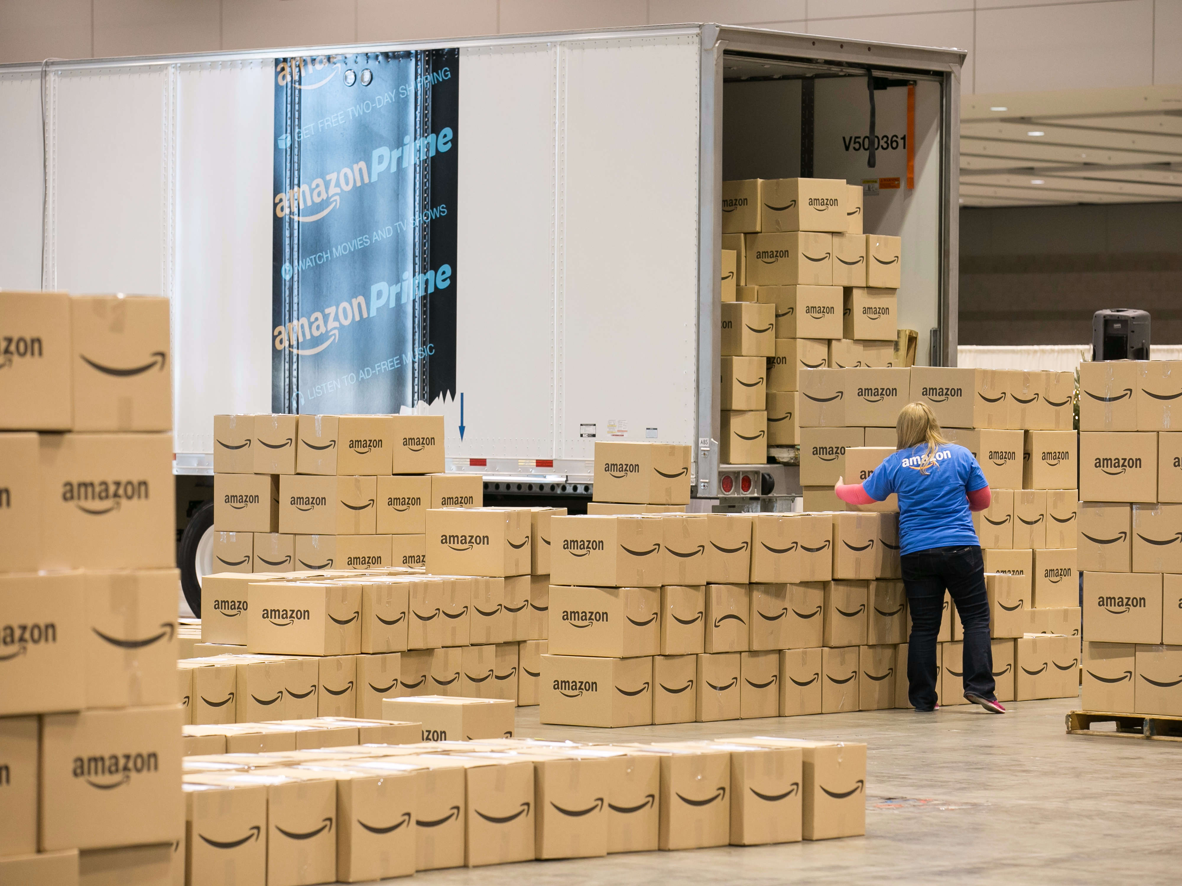 Amazon has a secret weapon that is crushing the competition (AMZN)