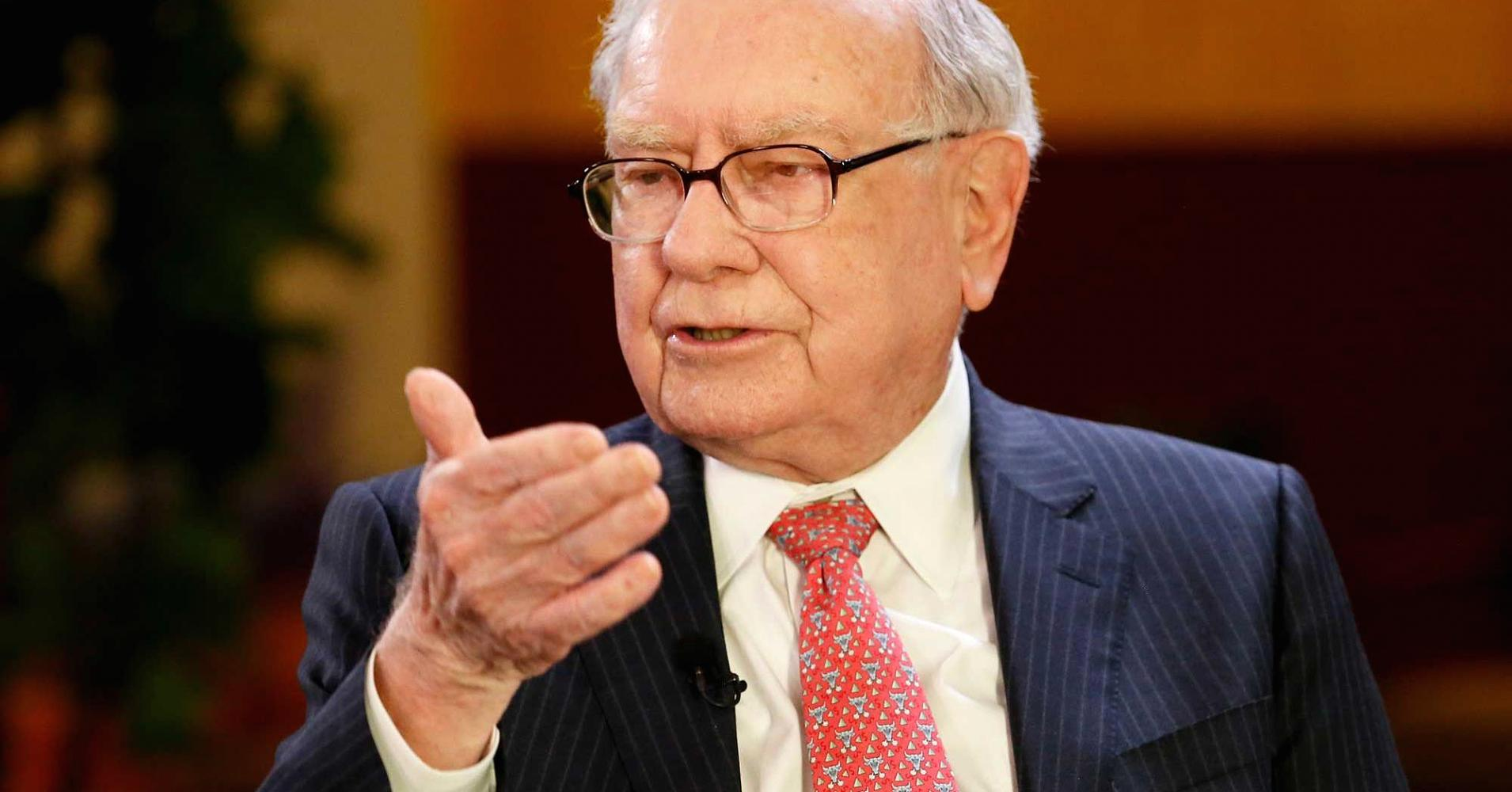 Warren Buffett and Tony Robbins agree on the best way to invest your money