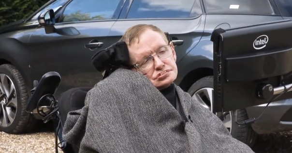 Stephen Hawking joins Facebook, jokes about being an alien