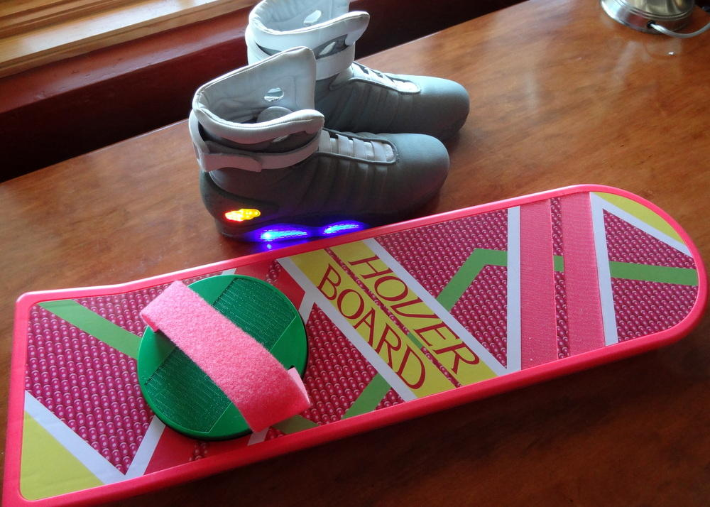 'Back to the Future' hoverboard looks great, fails to hover (hands-on)