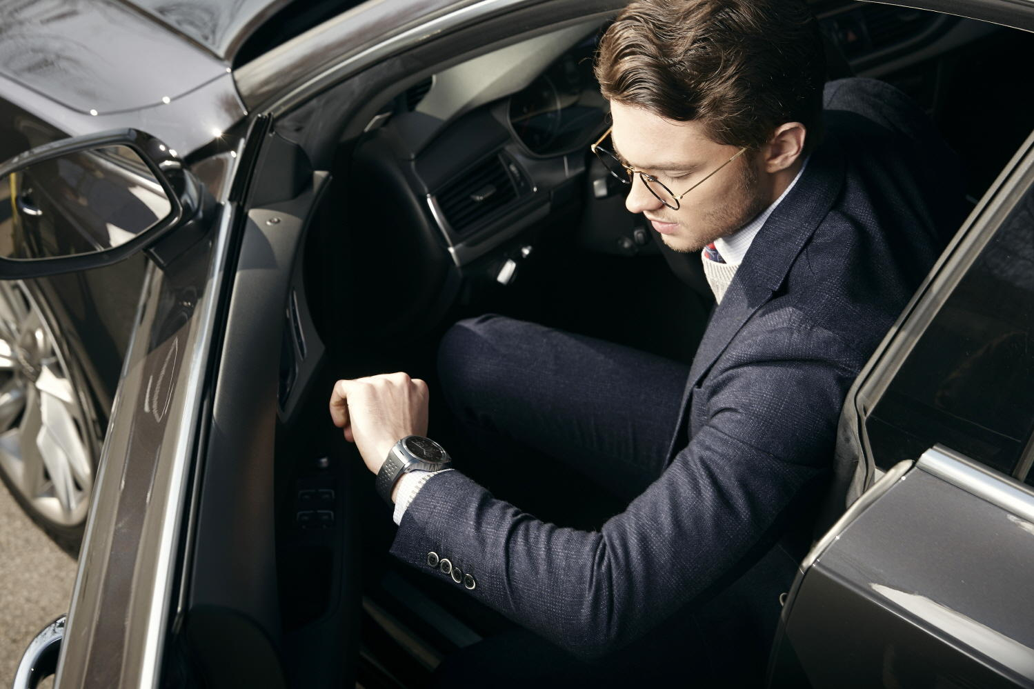 LG unveils first 4G smartwatch, based on WebOS software