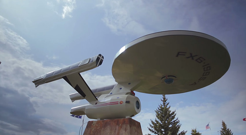 Tiny Canadian town crowdfunding full-size USS Enterprise