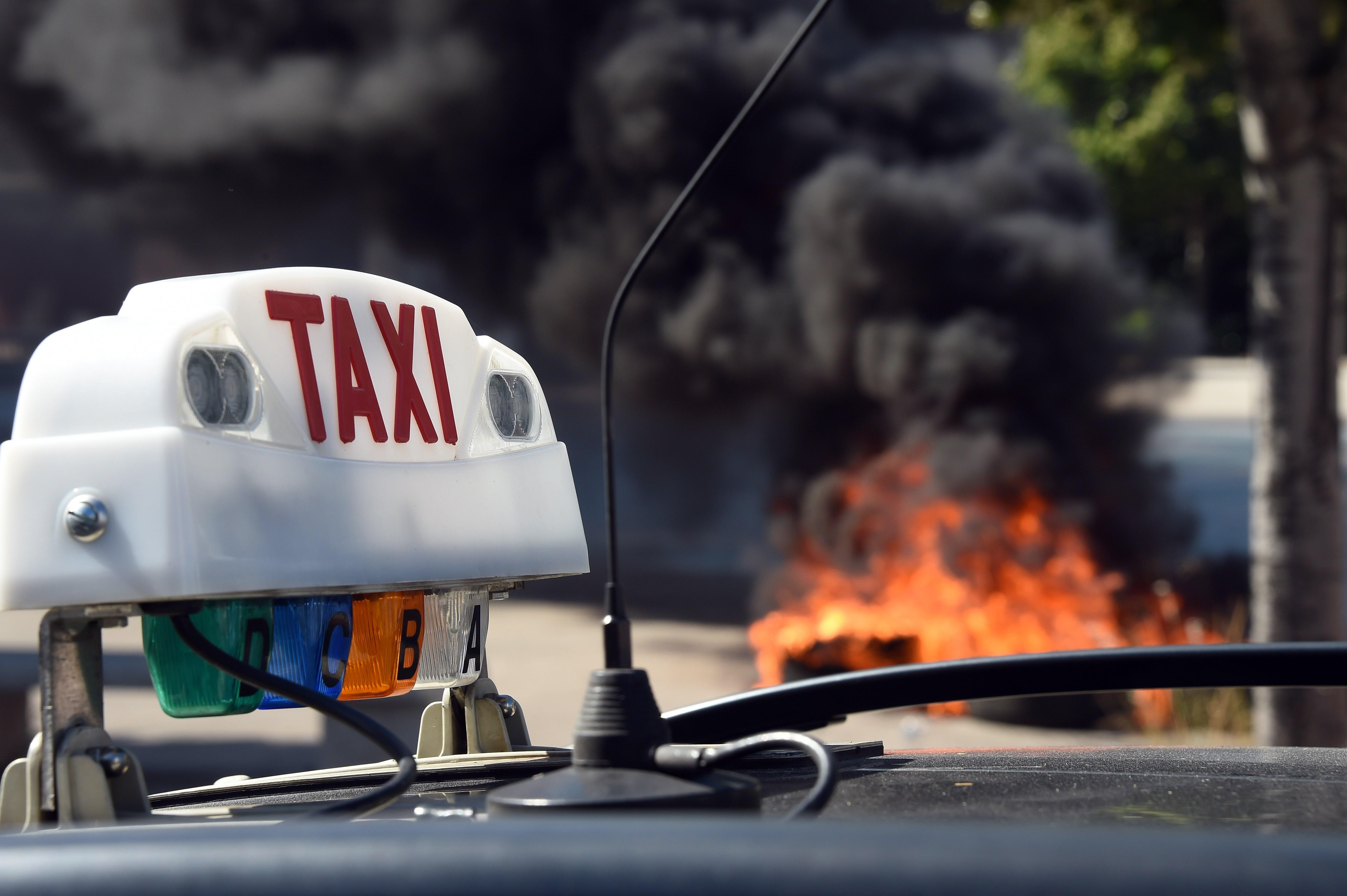 Uber suspends low-cost service in France in the name of safety