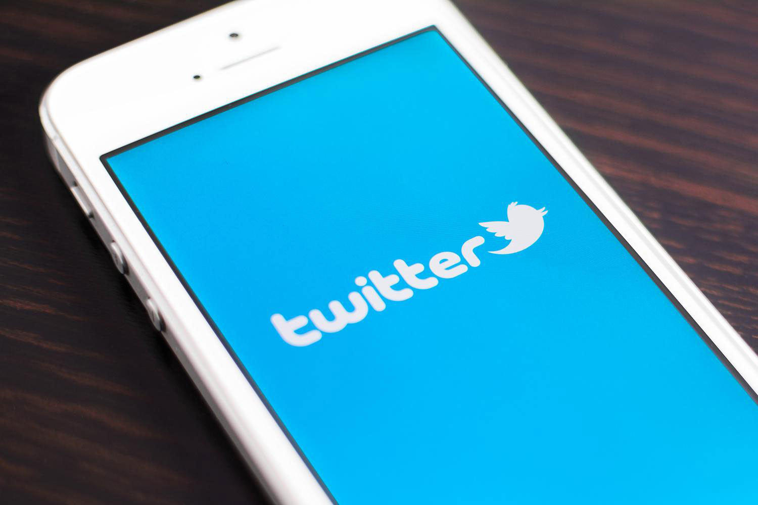 Your Android might be controlled by a malicious Twitter account