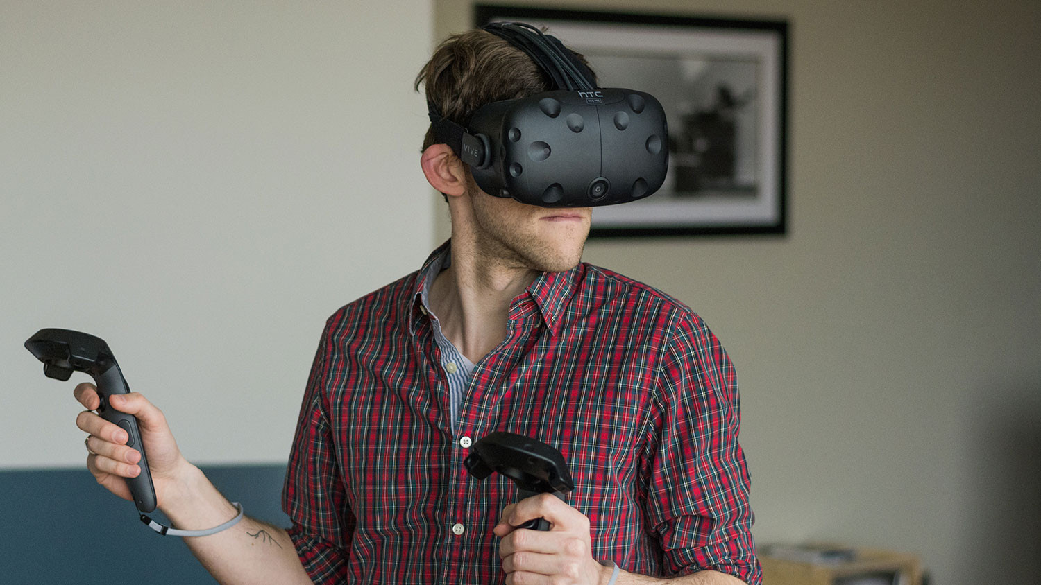 Oculus Home is sabotaging the Rift while HTC's Vive steams ahead