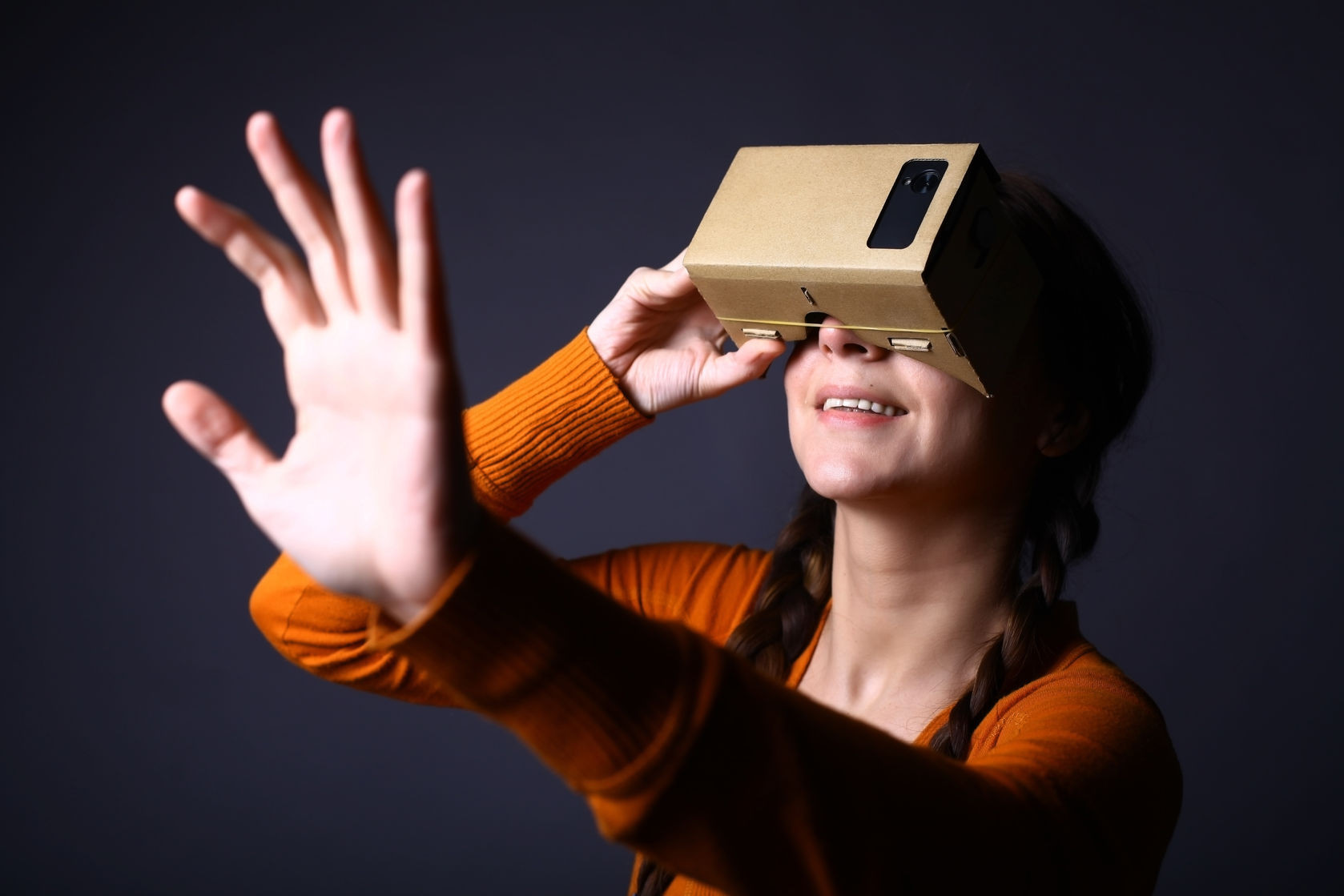 NY Times to send out 300,000 Cardboard VR viewers in second giveaway
