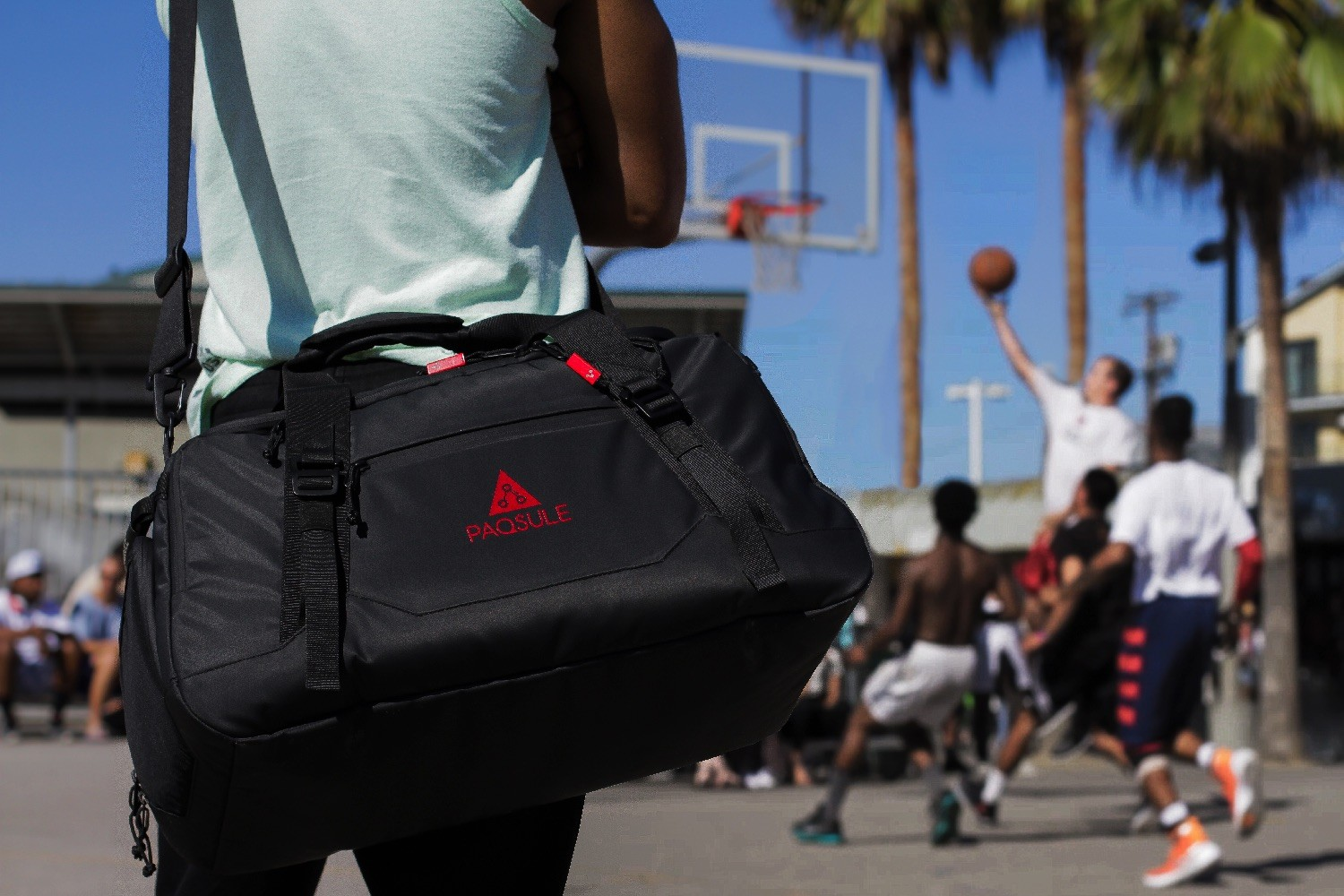 Smart gym bag promises to clean itself and everything inside it
