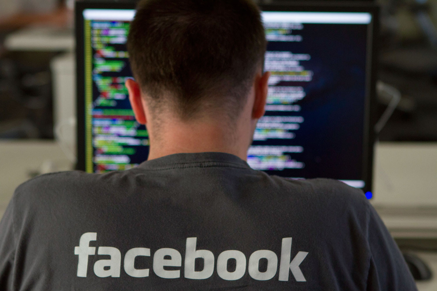 Facebook apologizes to ad clients for exaggerating video viewing times